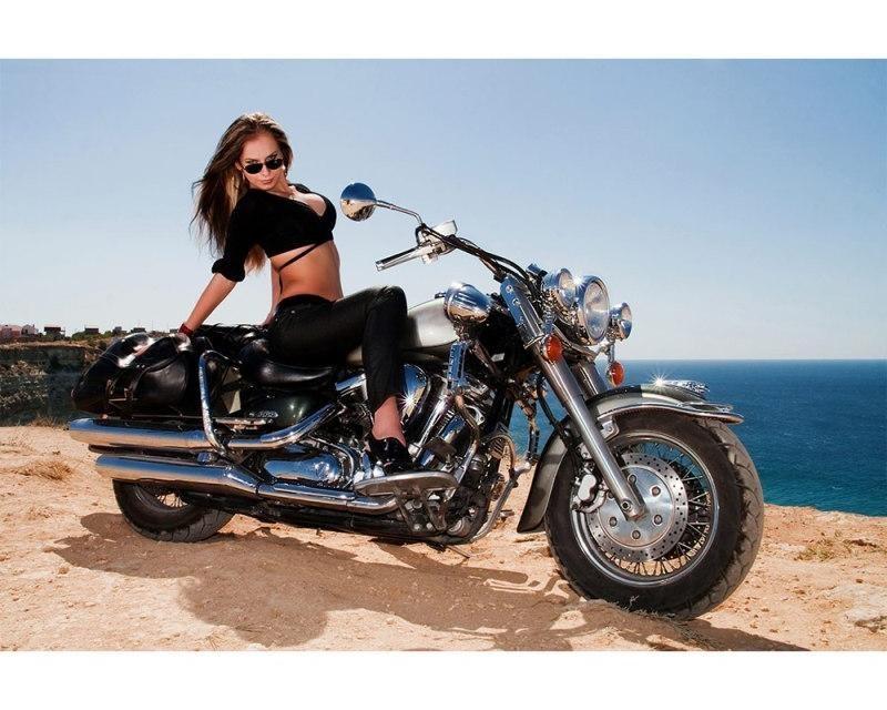 Vliesové fototapety na zeď Dívka na motorce | MS-5-0312 | 375x250 cm - Fototapety vliesové