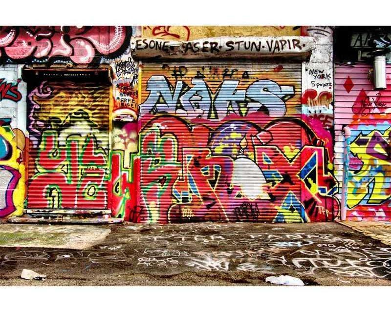 Vliesové fototapety na zeď Ulice s graffiti | MS-5-0321 | 375x250 cm - Fototapety vliesové